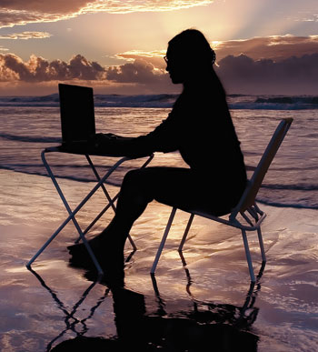 writer_woman_beach